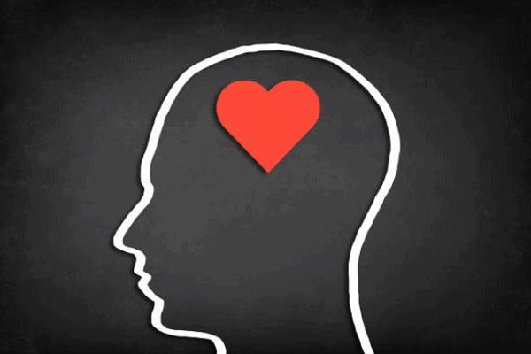 より自分の存在を感じさせる、遠距離恋愛のLINE必勝法