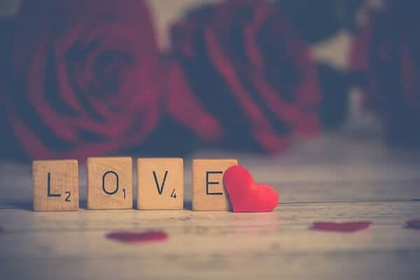 遠距離恋愛でLINEはどう活かされるのか 「遠距離恋愛進化論」